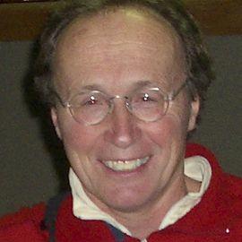 Roger Hanlon Headshot