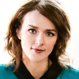 Laura Cantrell Headshot
