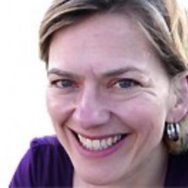 Anne Philpott Headshot