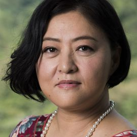 Kathy Xu Headshot