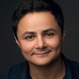 Arturo Castro Headshot