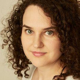 Liana Baker Headshot