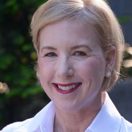 Liz Tinkham Headshot
