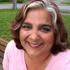 Alanna Shaikh Headshot