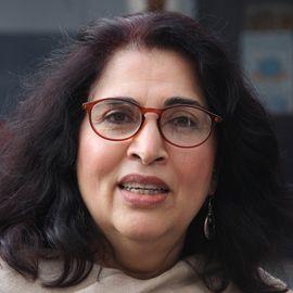 Urvashi Sahni Headshot