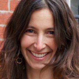 Lauren Shweder Biel Headshot
