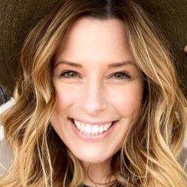 Carrie Locklyn Headshot