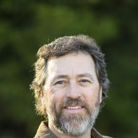Alan Robertson Headshot
