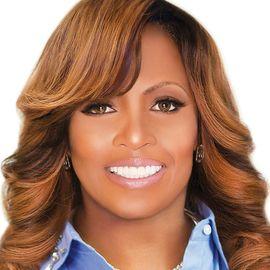 Dr. Traci Lynn Headshot