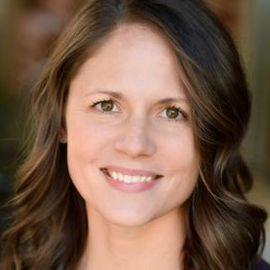 Leah Marone Headshot