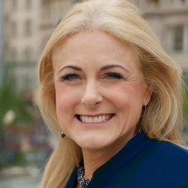 Mary Kelly Headshot