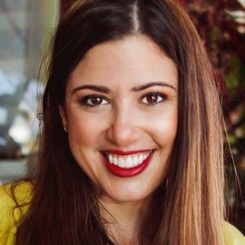 Sarah Weise Headshot