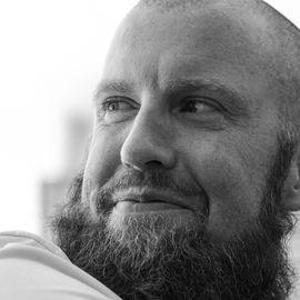 Graham Betchart Headshot