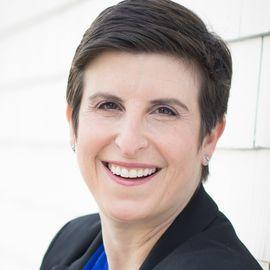 Lisa Z. Fain Headshot