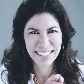 Lisa Cypers Kamen Headshot