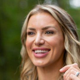 Eva Shockey Headshot
