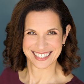 Sylvia Longmire Headshot