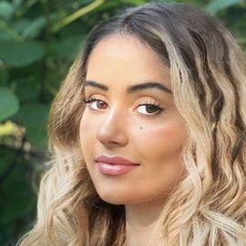 Sophia Kianni Headshot