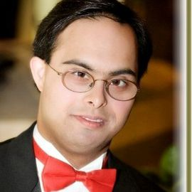 Sujeet Desai Headshot